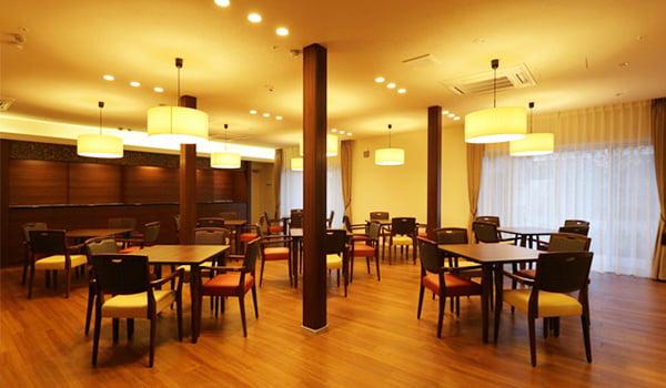 グランドマストに併設された食堂ラウンジ