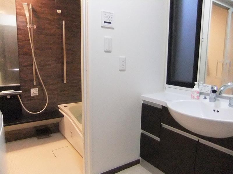 浴室と脱衣所の写真