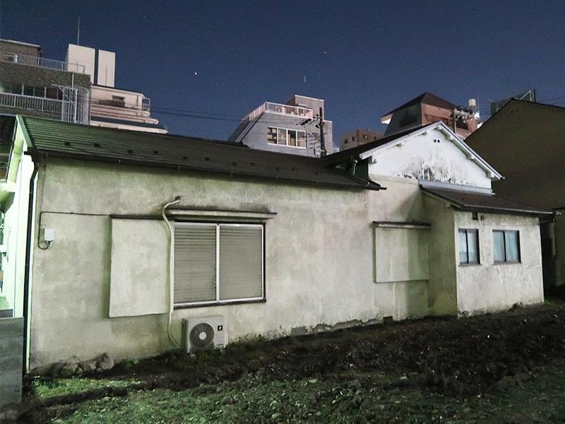 一等地に立つ空き家